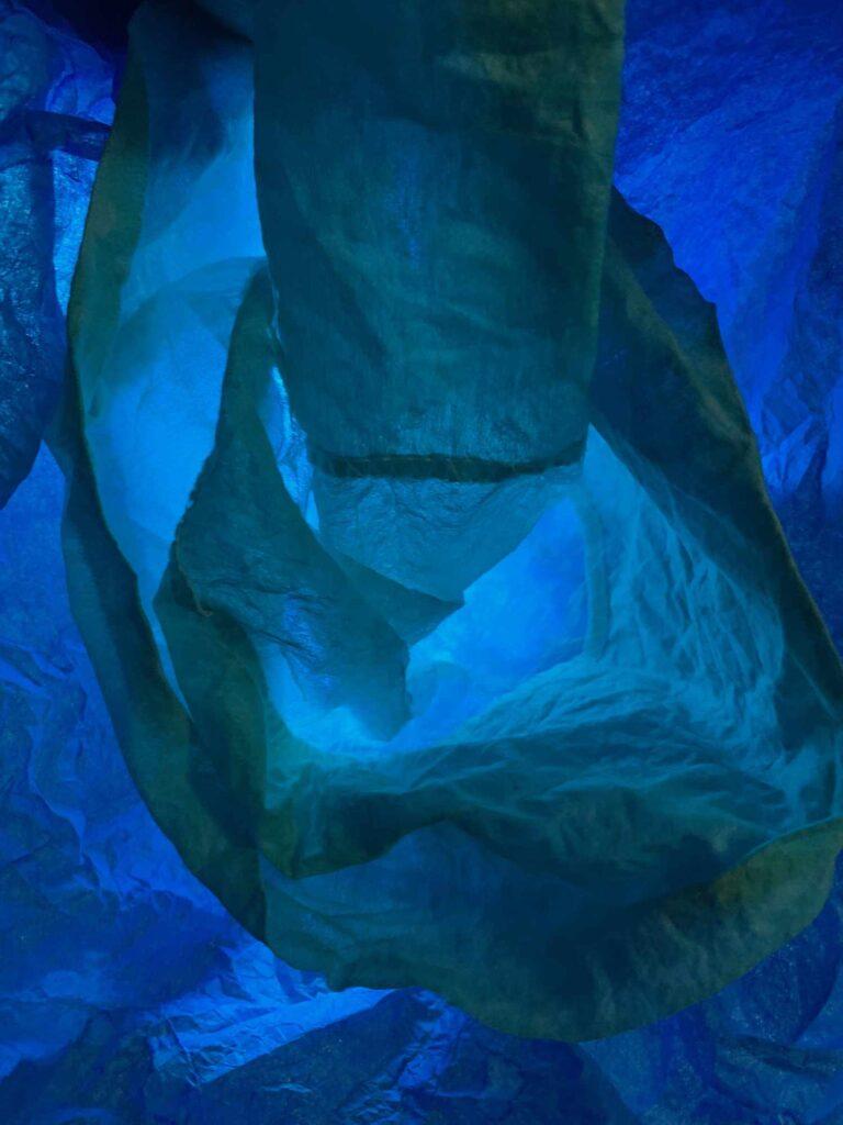 Bild: waste-art blau, ein Abfallbild von Georg Marbet
